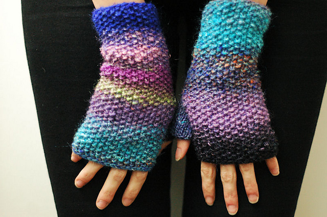 super_simple_noro_mitts_1_medium2